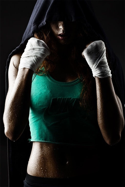 Фото девушек на аву в боксёрских перчатках